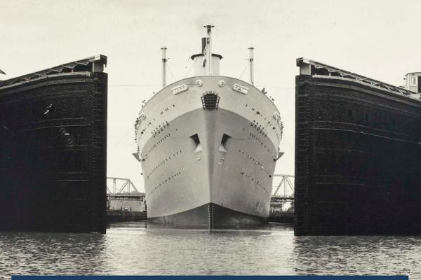 Ship passing through Panama Canal lock